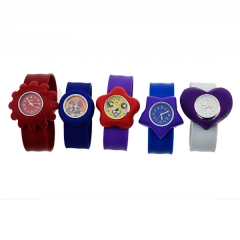 The cheap promotion Multi Style Colorful carton  kids watch