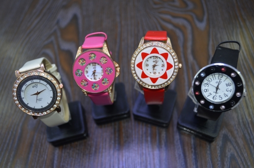 alloy case watch leather strap more patterns and dial face shape special design watch